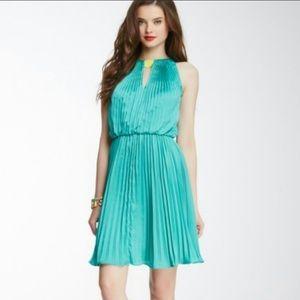 NWT Vince Camuto green pleat keyhole halter dress